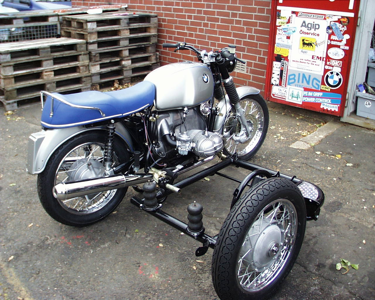what bmw gas tank is this adventure rider. Black Bedroom Furniture Sets. Home Design Ideas